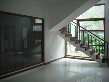 Rumah di Jalan Praja, Pondok Indah