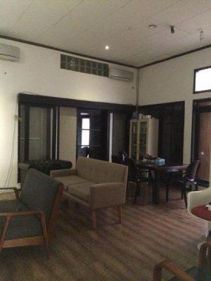 Dijual Rumah Lama Hitung Tanah di Pondok Indah