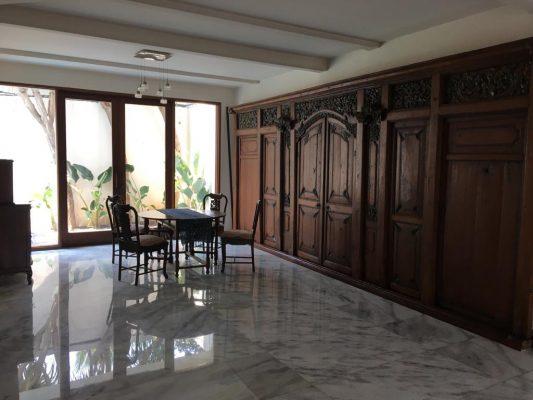 Rumah Dikontrakkan Kemang Selatan Bagus dan Istimewa 4 BR Siap Huni