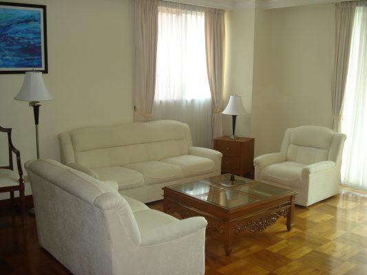 Rumah Disewa Greenview Apartment For Lease
