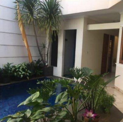 Rumah disewakan dengan Swimming Pool di Cipete Cilandak Jakarta Selatan