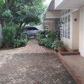 Rumah Cilandak dengan halaman luas, lokasi strategis, bisa untuk Bisnis