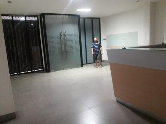 Kantor + Gudang Luas Bangunan 2000 Meter Pasar Minggu Jakarta Selatan