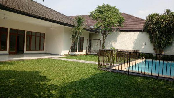 Bungalow House di Pejaten, Jakarta Selatan