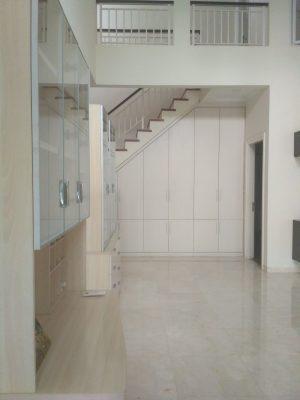 Rumah putih istimewa di Pondok Pinang